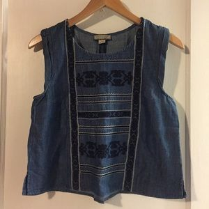 Tops - ⭐️5/$25⭐️ NWOT chambray top